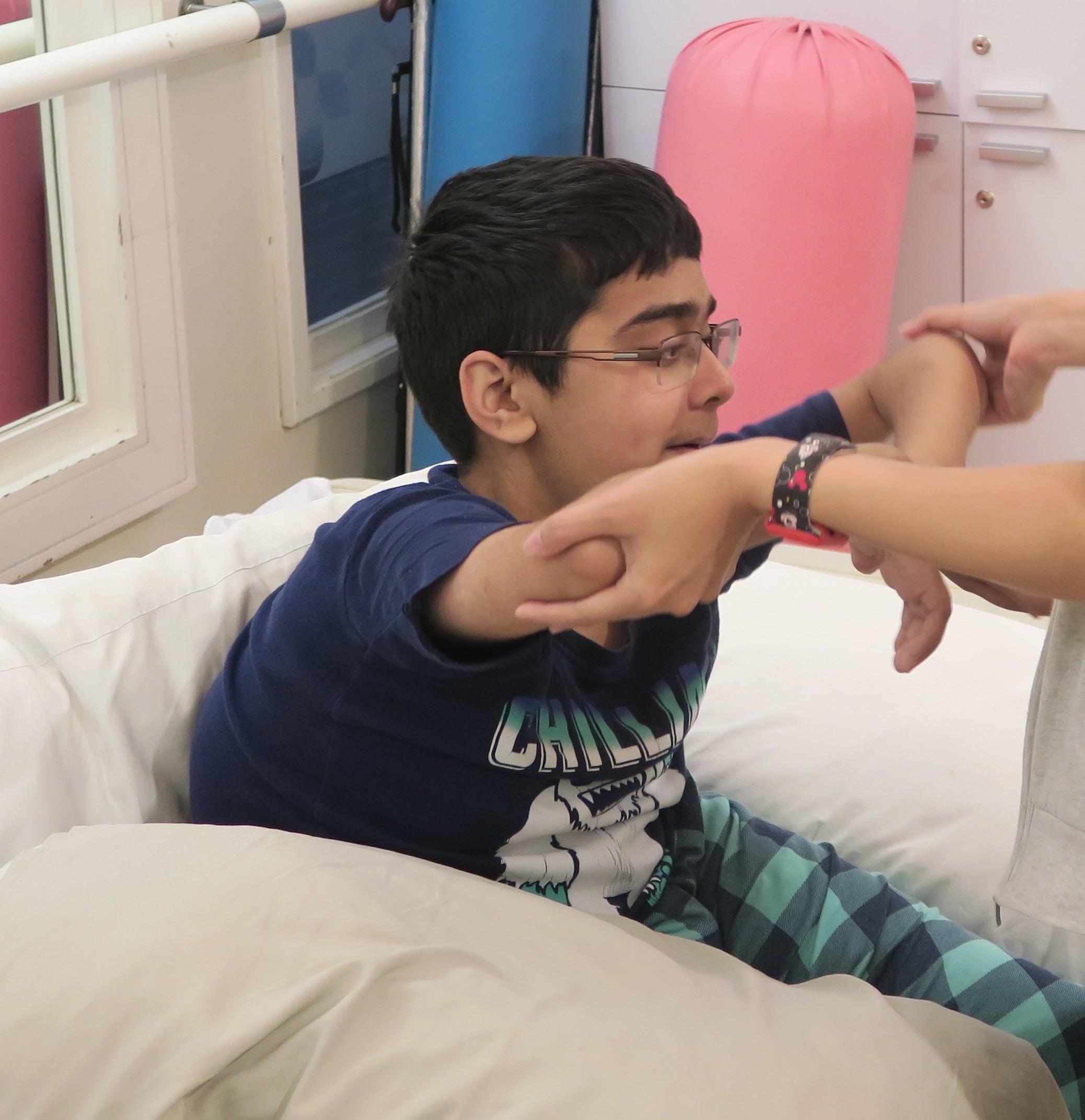 Saif正在做理療